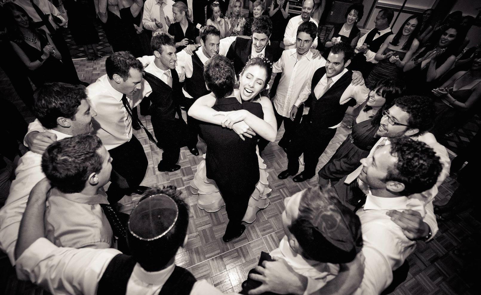 Amit az esküvői zenész választásához tudni kell